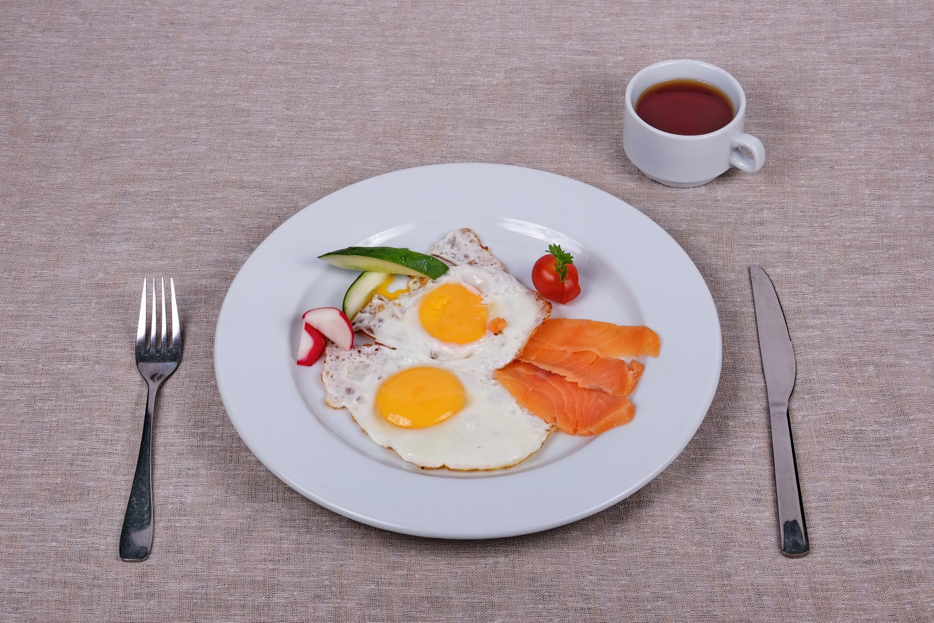 Sunny-side-up or scrambled eggs